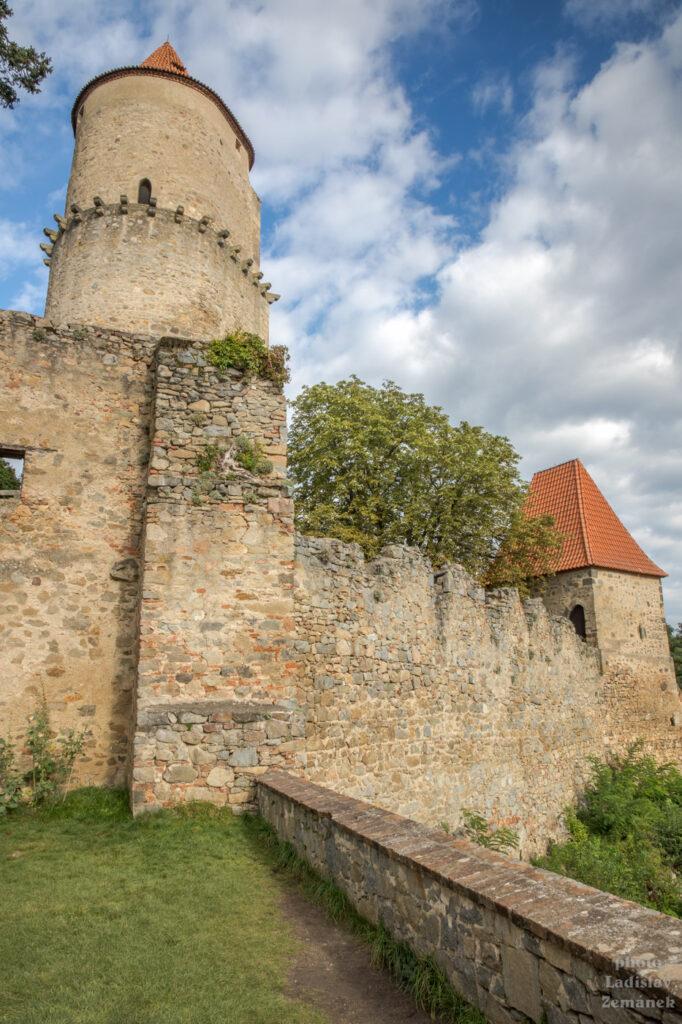 Hrad Zvíkov - věž Hláska
