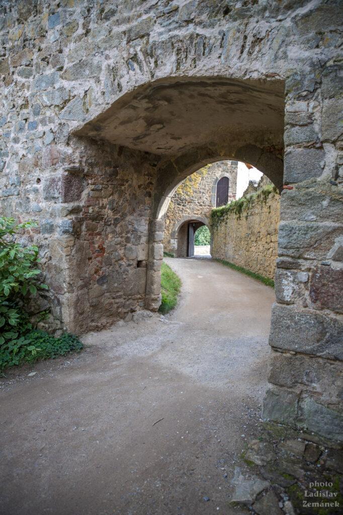 Hrad Zvíkov - brána