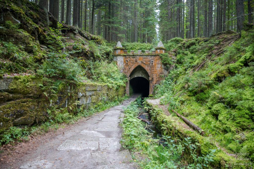 Schwarzenberský kanál - portál plavebního tunelu
