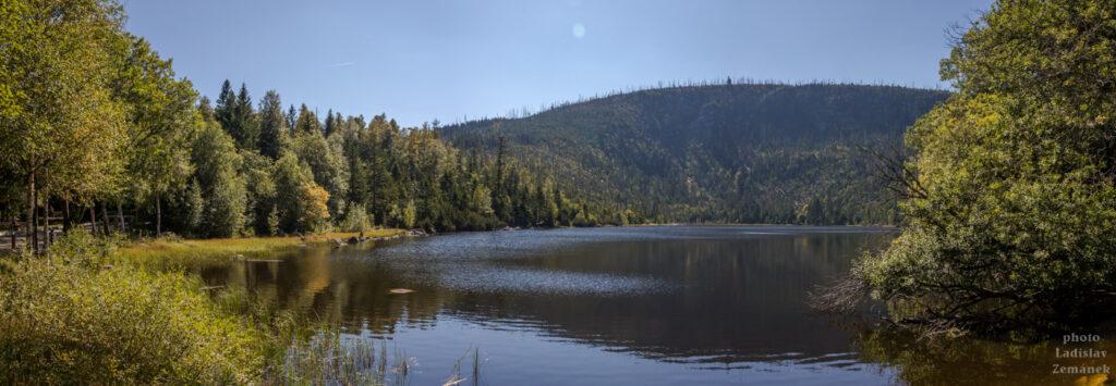 Plešné jezero a jezerní stěna