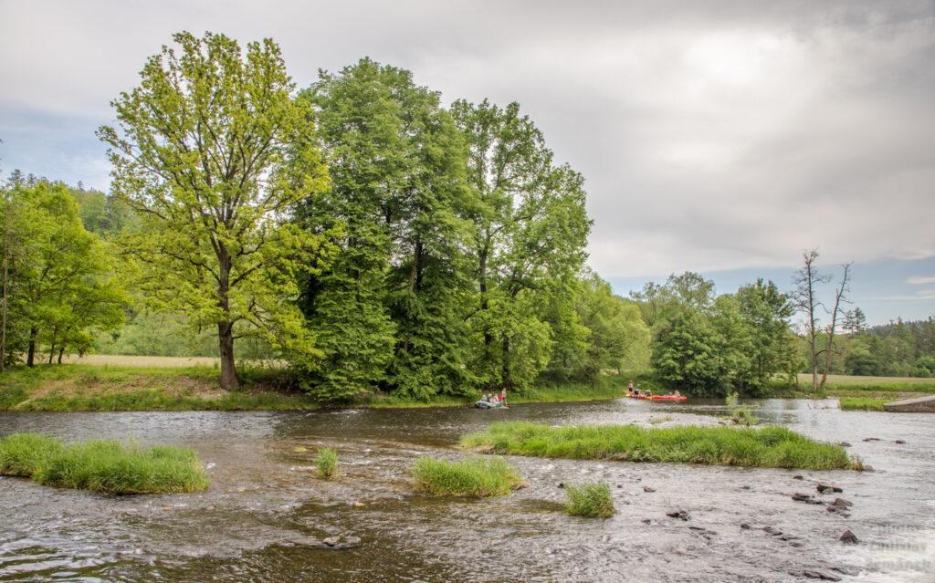 Horažďovice - jez a vodáci na Otavě - park Ostrov