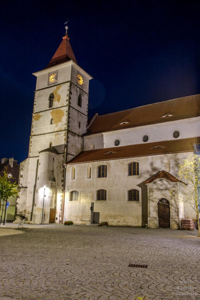 Večerní Horažďovice - Kostel sv. Petra a Pavla